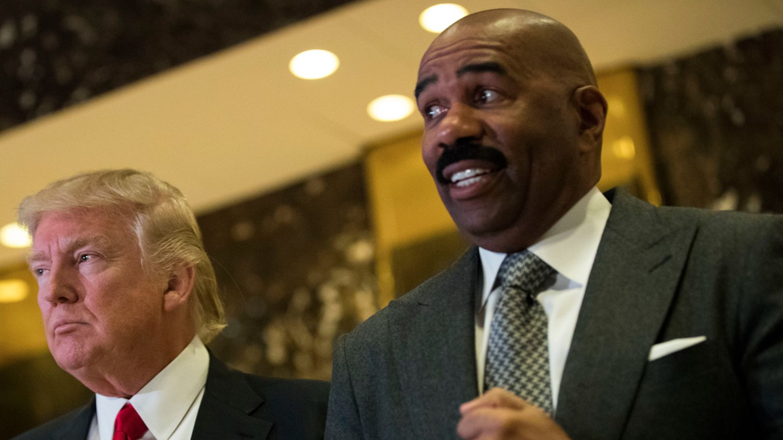 Steve Harvey to Flint, Mich., Resident: 'Enjoy Your Nice Brown Glass of Water'
