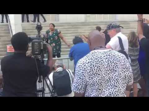 Eric Garner's Daughter Goes HAM!! on Media and WS over decision not to charge her fathers killer - Black Scene