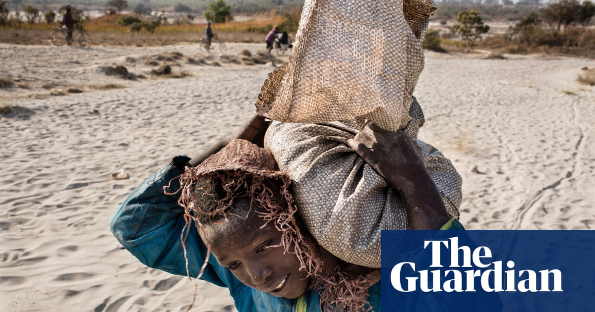 Apple and Google named in US lawsuit over Congolese child cobalt mining deaths | Global development | The Guardian