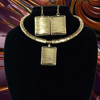 Golden Queen Choker & Earrings Set Profile Picture